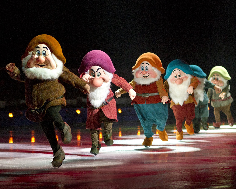 Disney on Ice - Snow White Dwarves