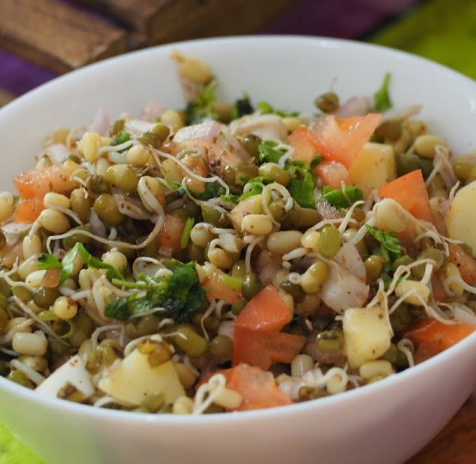 sprouted moong dal